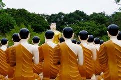 Wat Chak Yai Buddhist Park Thailand Arkivfoto