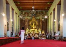 Wat Chanasongkram inre i Bangkok, Thailand Arkivbild
