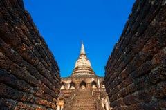 Wat Chang Lom Temple en el parque histórico del Si Satchanalai en Sukhothai, Tailandia Imágenes de archivo libres de regalías