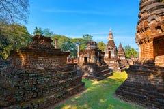 Wat Chedi Jet Thaew en el parque histórico del Si Satchanalai en Sukhothai, Tailandia Imagenes de archivo
