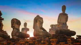 Wat Chedi Jet Thaew en el parque histórico del Si Satchanalai en Sukhothai, Tailandia Imagen de archivo