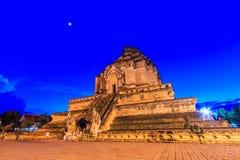 Wat Chedi Luang寺庙的古老塔在清迈,泰国 免版税库存图片
