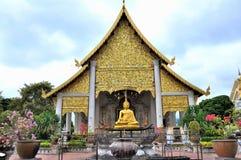 在Wat Chedi Luang的寺庙 免版税库存图片