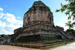 Wat Chedi Luang (Chiang Mai, Tailândia) Fotos de Stock