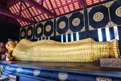 Wat Chedi Luang en CHIANG MAI - TAILANDIA foto de archivo