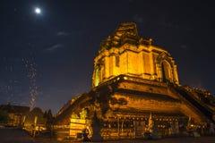 Wat Chedi Luang Varavihara, Chiang Mai, Tailandia fotografia stock libera da diritti
