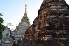 Wat Chetawan en la puesta del sol Fotografía de archivo libre de regalías