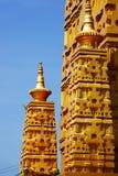 Wat Chom Phothayaram Sothon, Mueang Chachoengsao område, Thailand 4 november 2018 Thot Kathin i Thailand cheditempel royaltyfri bild