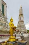 wat för arunbuddha guld- staty arkivfoton