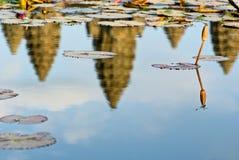 wat för solnedgång för angkorcambodia slända Arkivfoto