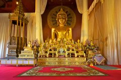 wat för tempel för staty för buddha Chiang Mai phrasingh Arkivbild