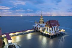 Wat Hong Thong all'ultima luce fotografia stock libera da diritti