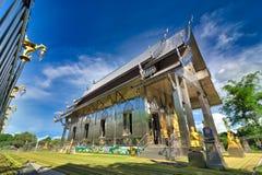 Wat Hua Suan, Chachoengsao, Tailandia: La arquitectura de Tailandia que pertenece al IS-IS del budismo hecho del acero inoxidable imagenes de archivo