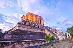 WAT JEDI LUANG TEMPEL (CHIANGMAI - Reise siamesisches Asi lizenzfreie stockfotos