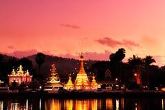 Wat Jong Klang на сумраке Стоковая Фотография RF