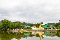 Wat Jongklang, Wat Jongkham - najwi?cej ulubionego miejsca dla turysty w Mae Hong synu zdjęcie royalty free