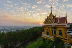 Wat Khiri Wong на заходе солнца стоковая фотография