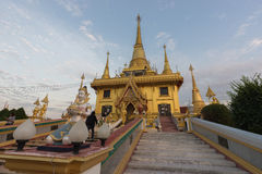 Wat Khiri Wong на заходе солнца стоковое изображение