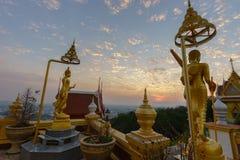 Wat Khiri Wong на заходе солнца стоковая фотография rf
