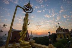 Wat Khiri Wong на заходе солнца стоковое фото rf