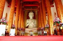 Wat Khua Khrae寺庙菩萨雕象在清莱,泰国 图库摄影