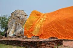 Wat Lokayasutharam es templo de Buda de descanso en Ayutthaya Fotografía de archivo libre de regalías