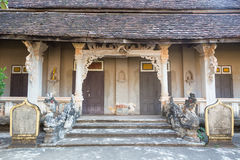 Wat Luang Pakse i Laos Arkivbild