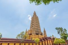 Wat Maha что ремень челки Wachiramongkol Wat известный висок в провинции Krabi, Таиланд Это красивый буддийский висок Стоковые Фотографии RF