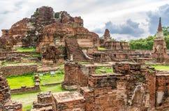 Wat Mahathat, загубленный висок в Ayuthaya, Таиланде. Стоковое Изображение RF