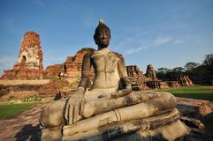Wat Mahathat, Ayutthayaодин из парка Ayutthayainвисков исторического стоковая фотография