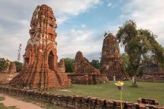 Wat Mahathat (tempio di grande reliquia o tempio di grande reliquario) è il breve nome comune dei parecchi templ buddista importa Fotografie Stock Libere da Diritti