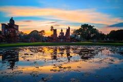 Wat Mahathat Temple en el parque histórico de Sukhothai, Tailandia Fotos de archivo
