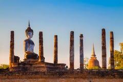 Wat Mahathat Temple en el parque histórico de Sukhothai, un sitio del patrimonio mundial de la UNESCO Fotos de archivo