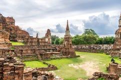 Wat Mahathat, un templo arruinado en Ayuthaya, Tailandia. Imagenes de archivo