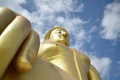 Wat Muang修道院在红统府 免版税图库摄影