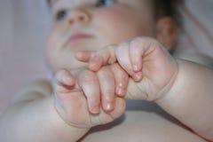 Wat is op de mening van een baby? stock foto's