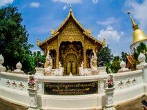 Wat Pa Dara Pirom Lanna arkitektur, Chiang Mai Thailand royaltyfri foto