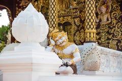 Wat Padarapirom dans la forêt Image stock