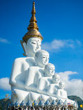 Wat Pha Sorn Kaew (Tempel auf einer hohen Glasklippe) Lizenzfreie Stockfotos