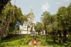 Wat Phnom Arkivfoto
