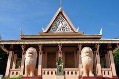 Wat Phnom, Kambodja Stock Afbeeldingen