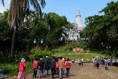 Wat Phnom - pagode da montanha - Phnom Penh Imagens de Stock Royalty Free