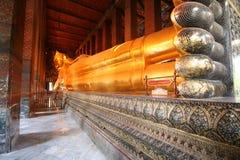 Wat Pho Buddha adagiantesi Fotografia Stock