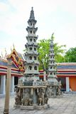 Wat Pho Buddhist Temple em Banguecoque, Tail?ndia fotos de stock royalty free
