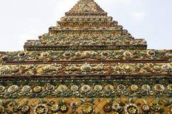 Wat Pho-het detailbeelden van het stupapatroon stock foto