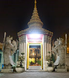 Wat Pho At Night a Bangkok fotografie stock