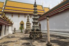 Wat Pho Tempio del Buddha adagiantesi bangkok thailand immagine stock libera da diritti