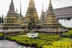 Wat Pho Temple van Doende leunen Boedha, of Wat Phra Chetuphon, wordt gevestigd achter de Tempel van Emerald Buddha en moeten- royalty-vrije stock afbeeldingen