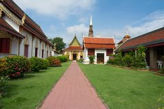 Wat phra那个hariphunchai塔寺庙 库存图片