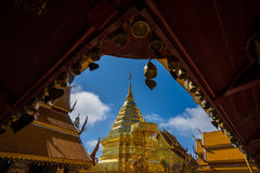 Wat Phra那土井素贴在晴天 Chiang Mai 库存照片